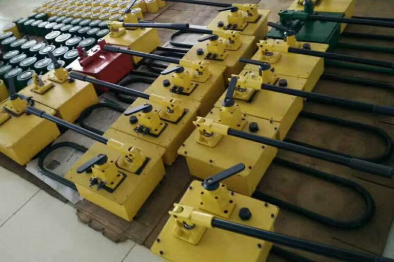 P-464 Double acting Manual Hydraulic Pump