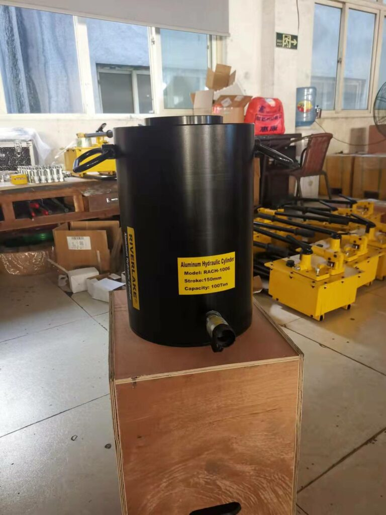 Hydraulic Cylinders and Gasoline Hydraulic Pump Supplied To Pacific Island